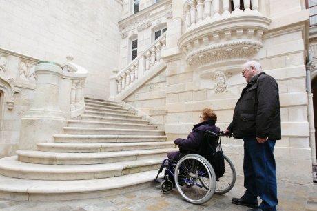 Accessibilité: Ou en est-on en France en 2013? dans Accessibilité à tous ? accessibilite-4