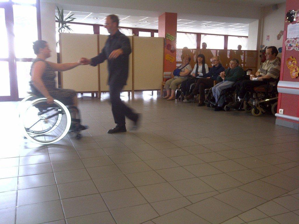 La danse-fauteuil, vous connaissez? dans Actualite handicap img-20130424-00510-e1366910438320